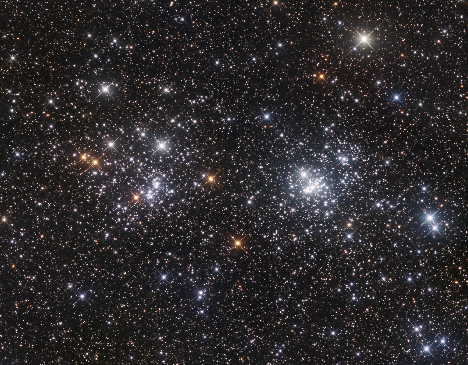 double-cluster-crop-11hr30m-rgb-g3-16200-first-light-web-sept-2016
